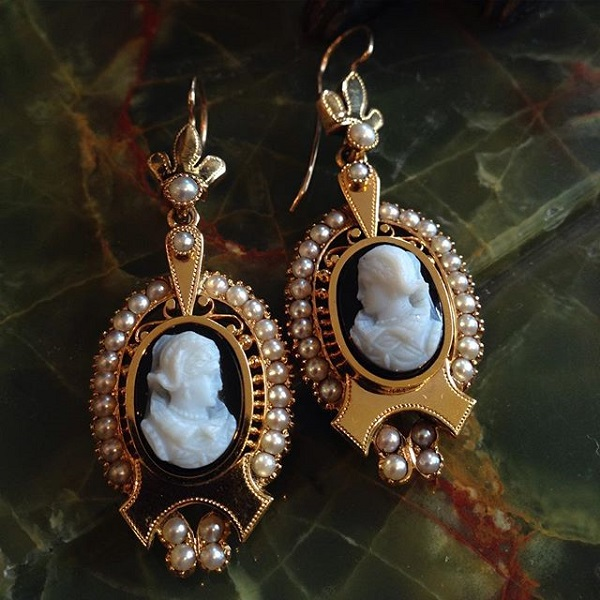 image-572339-Earrings_Victorian_stone_cameo_2250.jpg